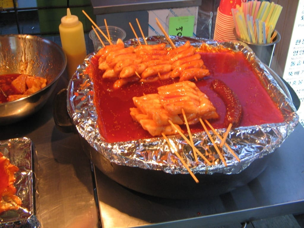 illegal in korea - Korean.food-Ddeok.kkochi-01