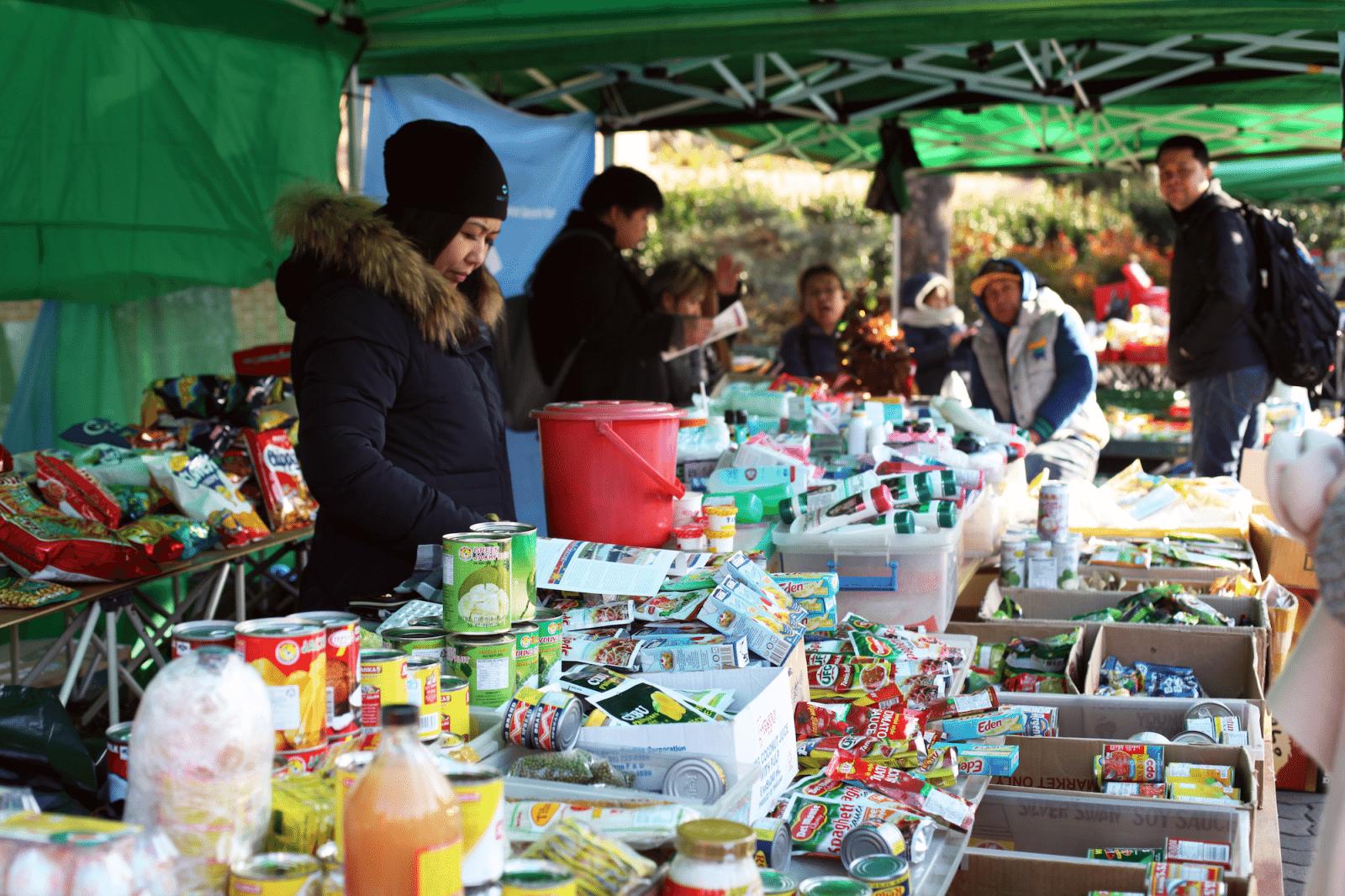 filipino market in seoul stalls