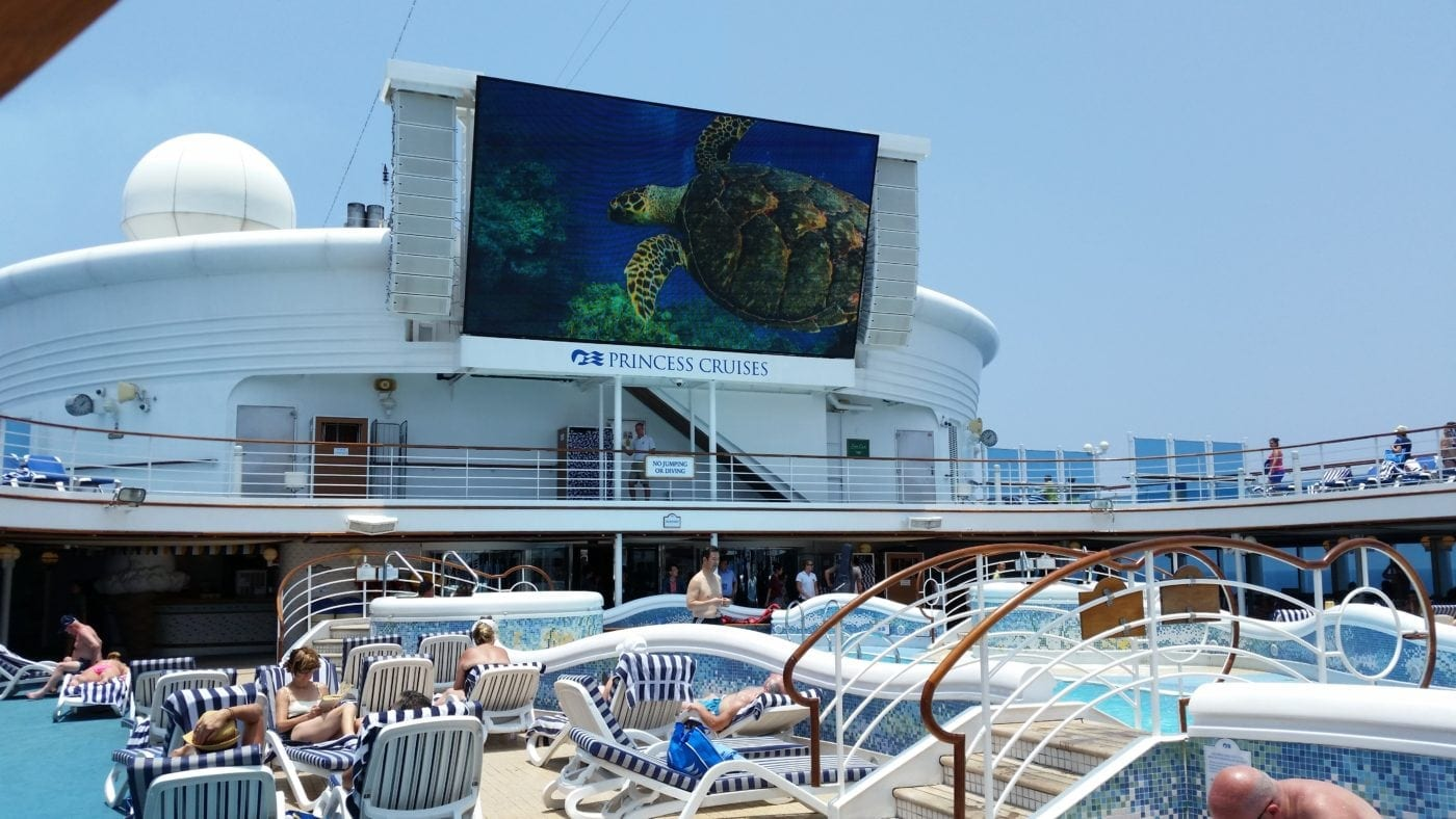 movies pool cruise korea